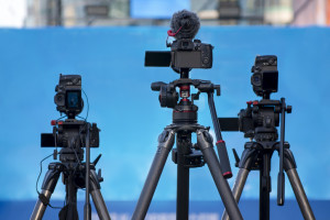 how to broadcast live video online