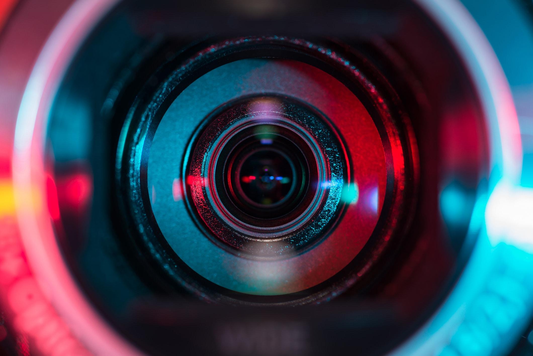 Broadcasting live 1 - PTZ camera broadcast camera