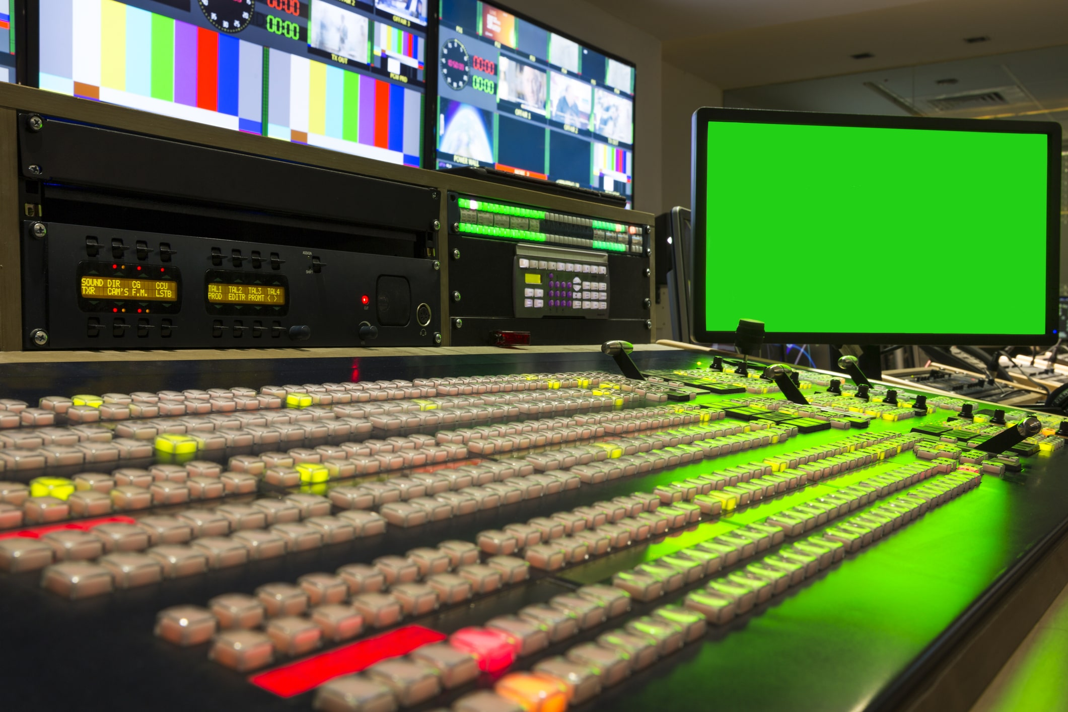 how to broadcast live video - mixing sources board hardware
