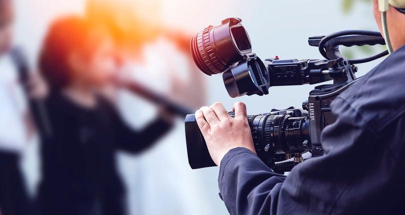 broadcasting live video - camara
