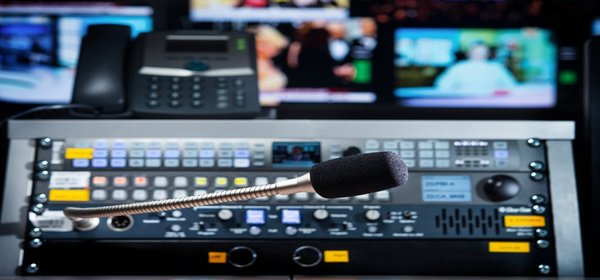 How to Broadcast Live Video with Multiple Sources - Multi-Cam