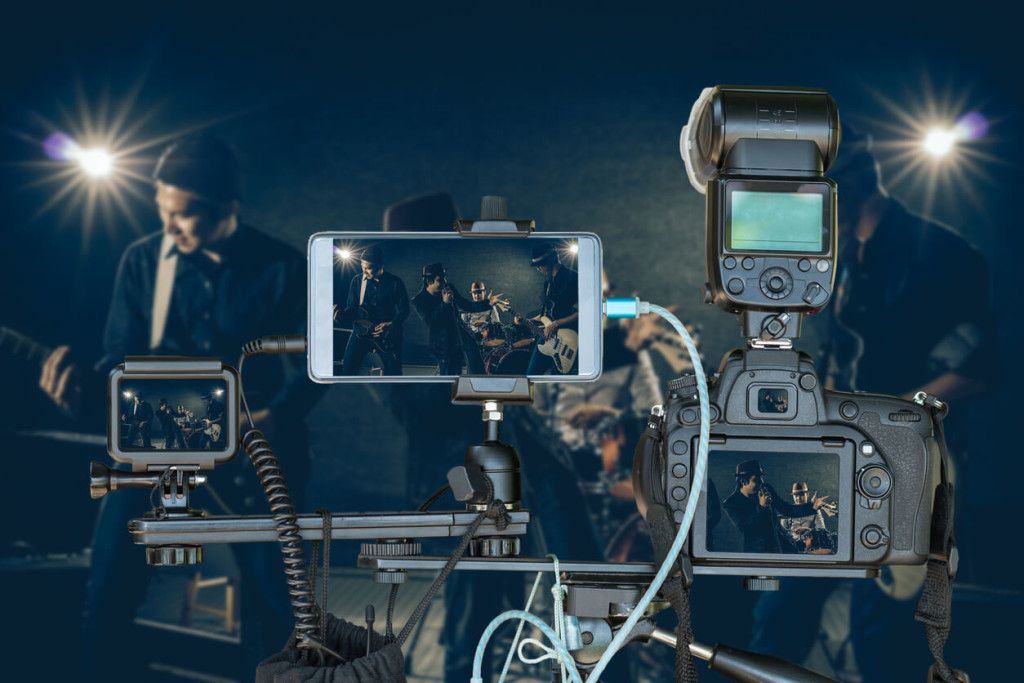 create live streaming videos